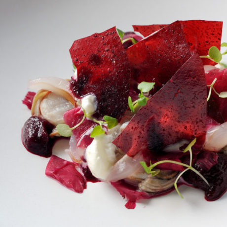 Picklade rödbetor med hasselnötter